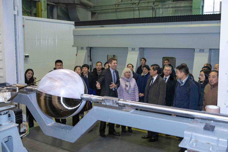 КБ «Південне» відвідала делегація з Китаю