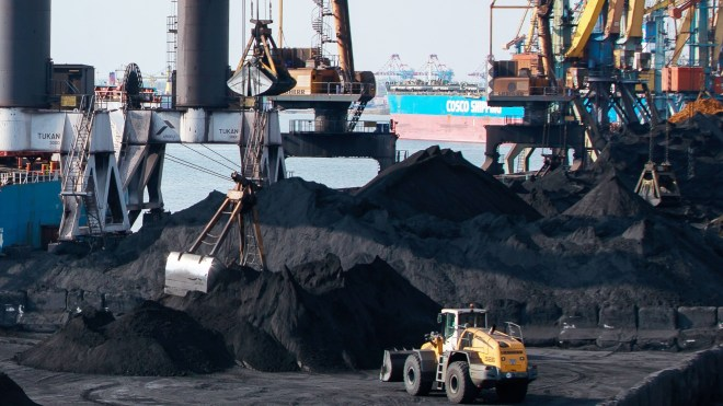 Transshipment of ore in the port Yuzhny increased for the six months 80%