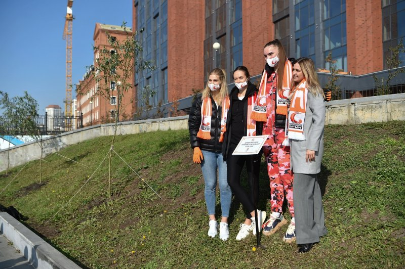 Basketball players from UMMC contributed to the greening of Yekaterinburg