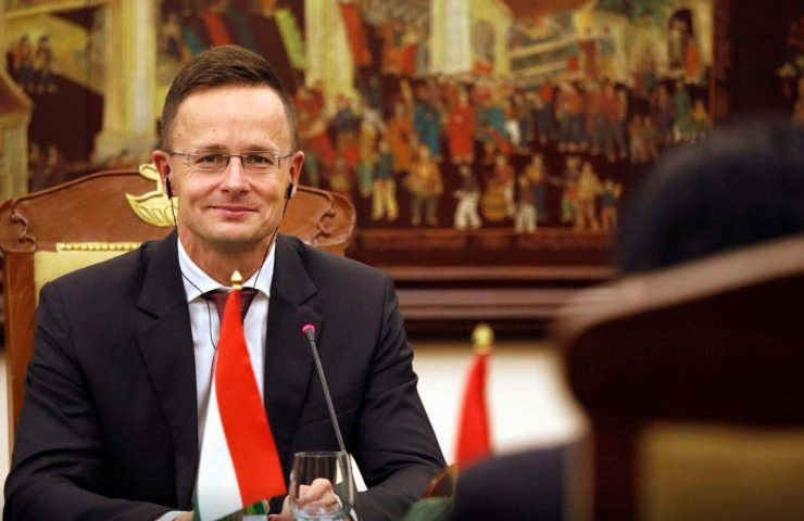 "Hungarian minister called the ban on entry to Ukraine ""pathetic and senseless """