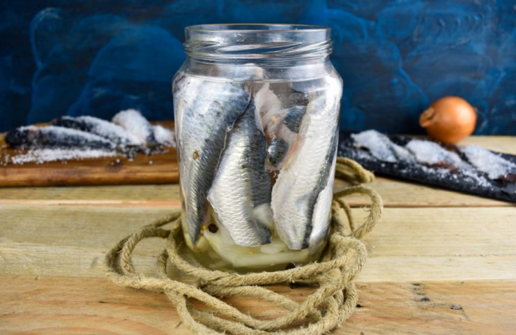 Mixes for dry salting of herring