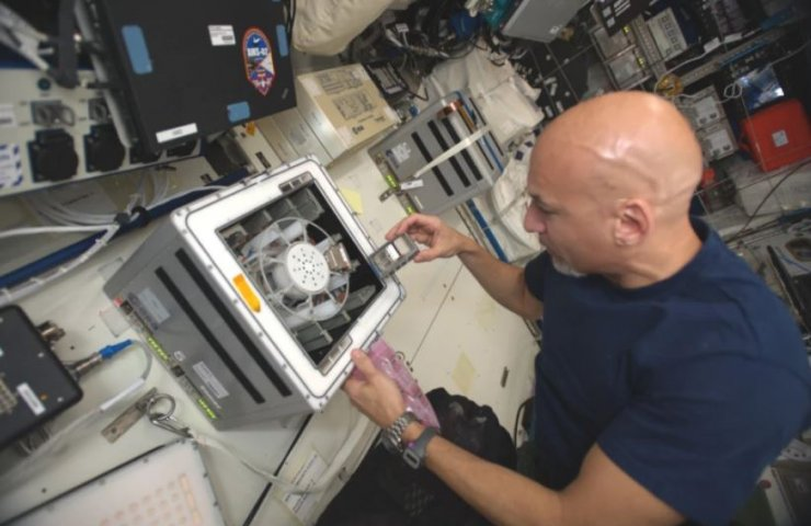 Bacteria will help space mining industry - results of an experiment on the ISS