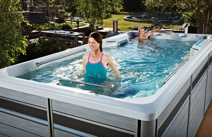What is a mini-pool for spa treatments