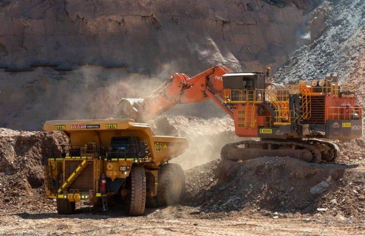 Iron ore prices hit seven-year high and continue to rise