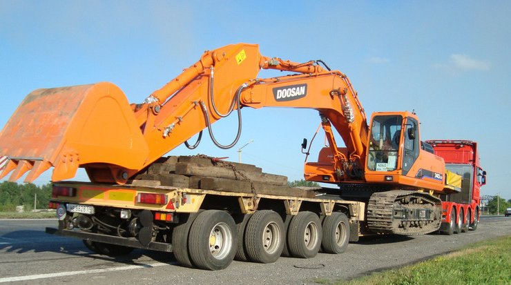 Features of transportation of an excavator