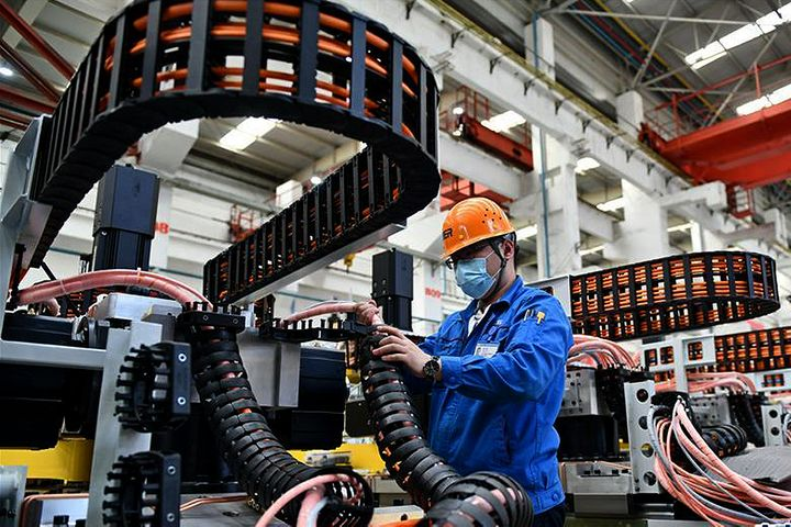 China Manufacturing PMI Falls In December But Stays Above 50