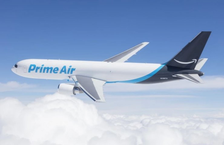 Amazon buys eleven Boeings to improve delivery services
