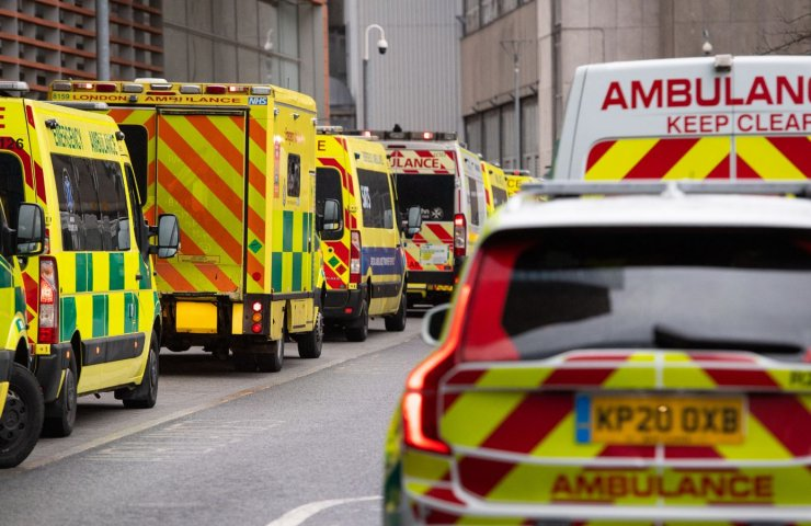 London state of emergency over threat of hospital overcrowding