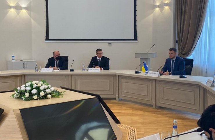 Minister of Infrastructure of Ukraine invites Azerbaijan to invest in transport projects